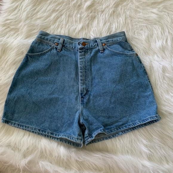 Wrangler Pants - Vintage high-waist Wrangler mom jean shorts